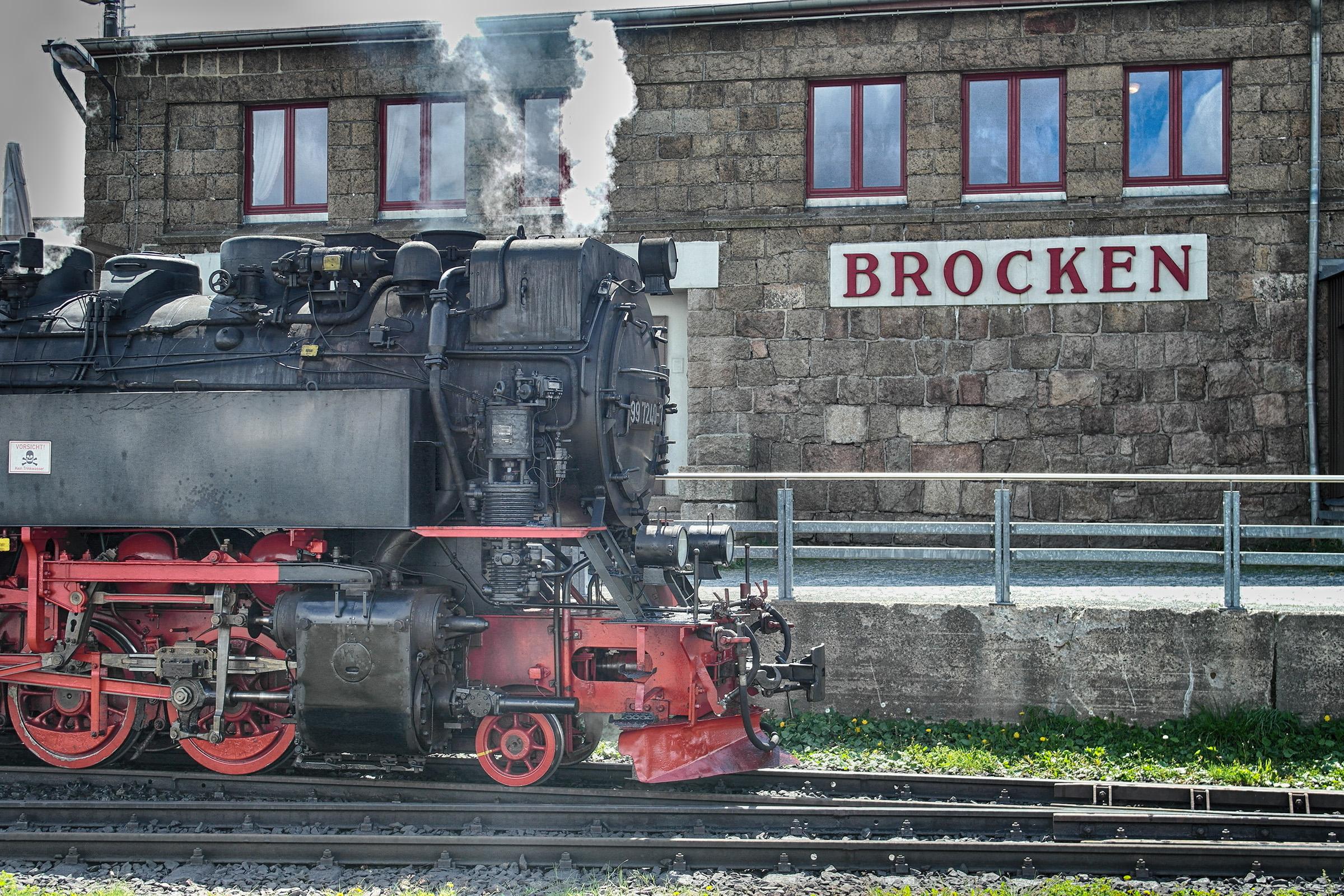 Brocken Bahn an der Haltestelle Brocken